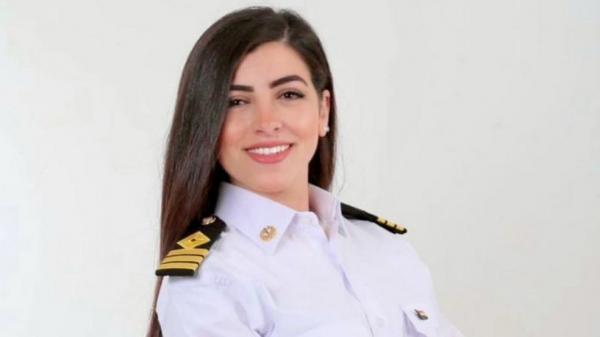 Primeira mulher oficial da marinha do Egito foi falsamente acusada pelo encalhe