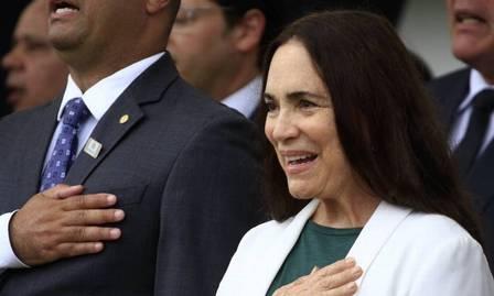 Regina Duarte se retrata por publicar fake news