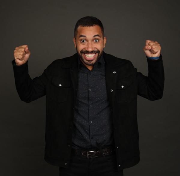 Gilberto assina contrato com a Globo após o 'BBB21'