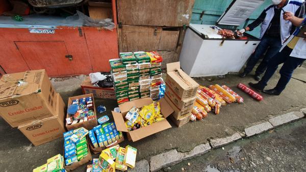 Cerca de 3 toneladas de alimentos vencidos ou com validade adulterada são apreendidos em Maceió