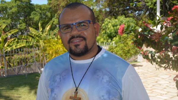 Padre de Alagoas com Covid em tratamento por ECMO, precisa de doação de sangue