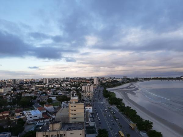 Feriadão de Emancipação de Alagoas terá tempo nublado e chuva