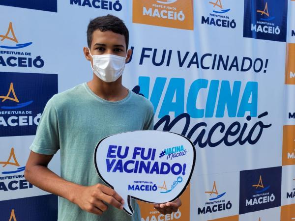 Maceió e Rio Largo começam a vacinar adolescentes de 12 anos na quinta (16)