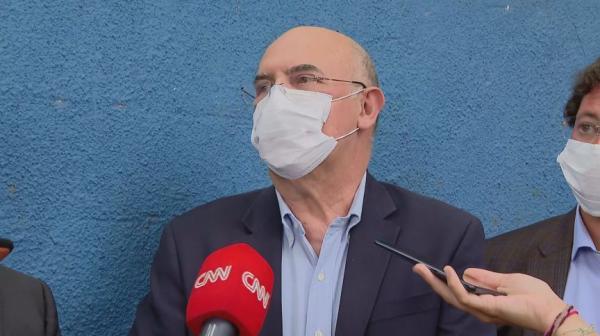 'Joguei R$ 300 milhões na lata do lixo', diz ministro sobre ausentes no Enem