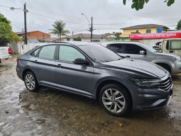 Polícia recupera veículo roubado de locadora em Pernambuco