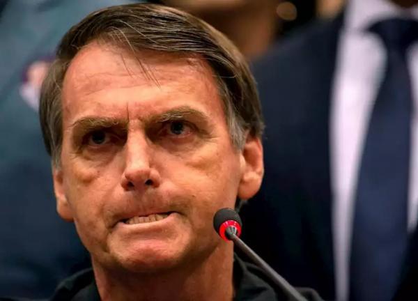 Datafolha: 76% acham que Bolsonaro deve sofrer impeachment se desobedecer Justiça